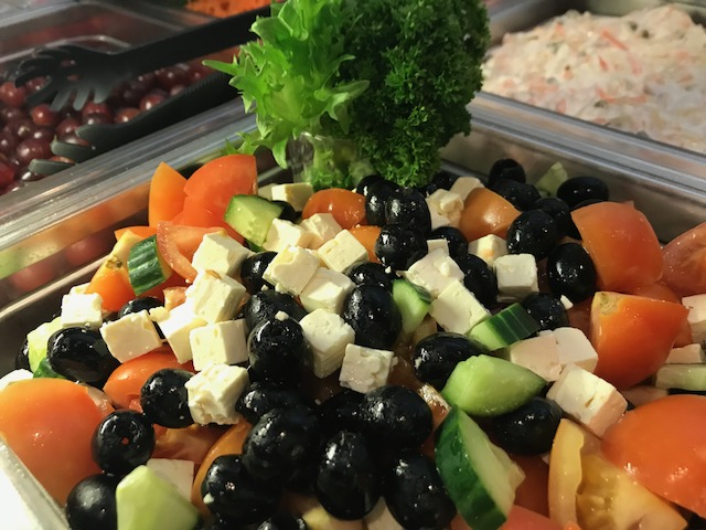 Patalahden herkullinen salaattipöytä